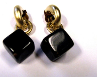 Vintage Black & Gold Dangle Non Pierced Earrings Signed Erwin Pearl