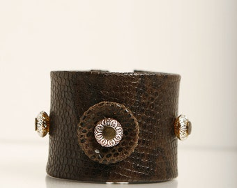 Print leather wristband