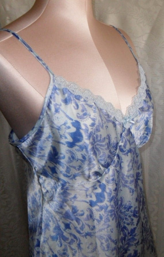 Vintage Chemise Nightgown Nightie by adonna Romantic Size Small