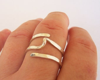 Modern Twist Simple Ring -  Hammered Sterling Silver Ring - Contemporary Wire Wrap Ring