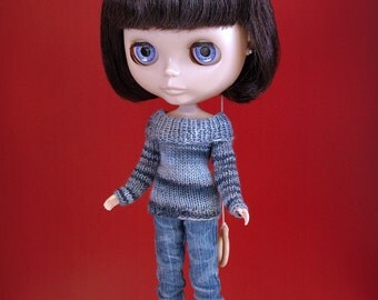 Hand knit doll sweater for: Blythe, Dal, Monster High...