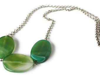 Green agate necklace - Gemstone necklace - Long necklace - Agate jewelry - Long agate necklace - Emerald green - Chunky green necklace