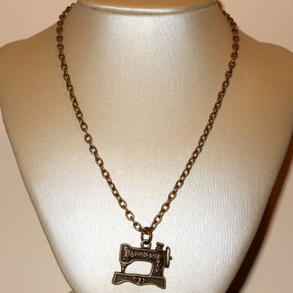 Sewing Machine Necklace, Singer Sewing Machine Charm, Bronze Charm, Seamstress Pendant, Simple Necklace, Everyday Jewelry, Sewing Necklace