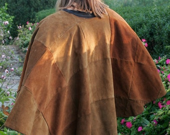 REDUCED 40% Vintage Patchwork Suede Poncho in Brown Tones - Magnificantly aged from the late 1960s. Size M-L