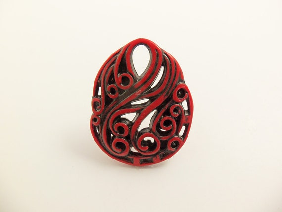 Red and Black Carved Lucite Filigree Pendant Pd59