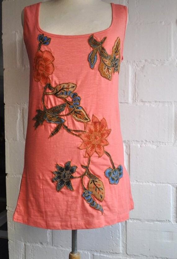 Batik Flower Top (Size M) , (France - 42-44), (Great Britain- 14-16), (EU-40-42)