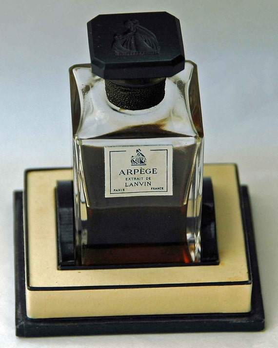 Vintage ARPEGE EXTRAIT de LANVIN Paris France Perfume Rare n Lovely 54gr n Original  Box, Bottle w/ Black Glass Intaglio Top