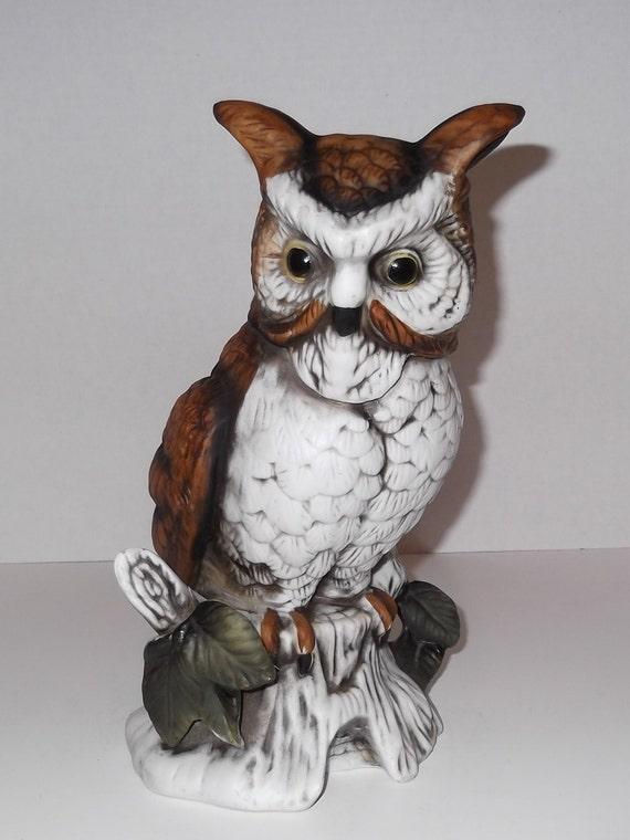 Vintage Owl Musical Flambro / Fine Porcelain