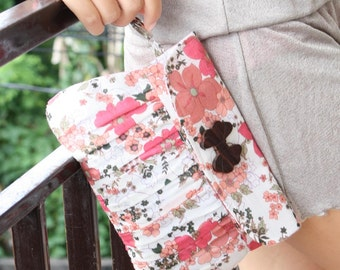 Pleated Clutch Purse in Pastel Pink and Peach Flowers
