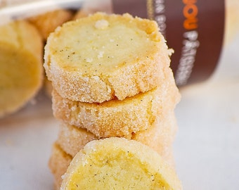 Vanilla and lemon , shortbread , butter cookies