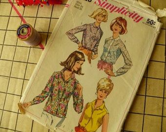 Buttons up Womens Button down blouse Pattern Simplicity 6526