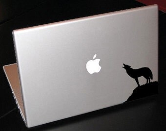 """Wolf Howling at Twilight Moon 15"""" Macbook Apple Laptop Decal"""