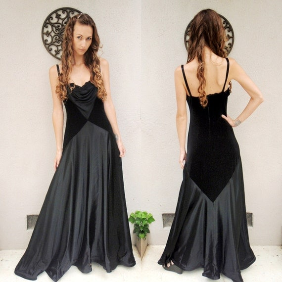 SALE Incredible long black velvet and satin/silk feel gown with plunging neckline