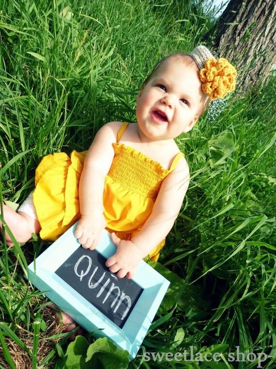 Mini Pillbox hat--Any Colors--Photo Prop--Newborn, baby, toddler headband--Crochet hat--Mini Top Hat--Crochet flower