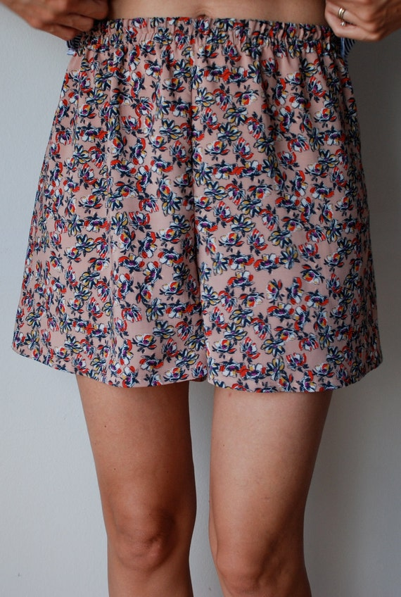 Loose fit floral shorts/ culottes, high waisted, Liberty ish print cotton. Size M