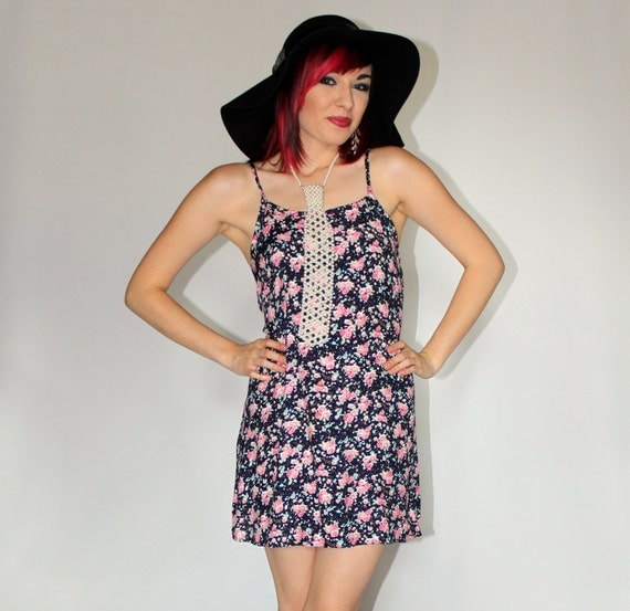 Ditzy Grunge Floral Print Mini Dress