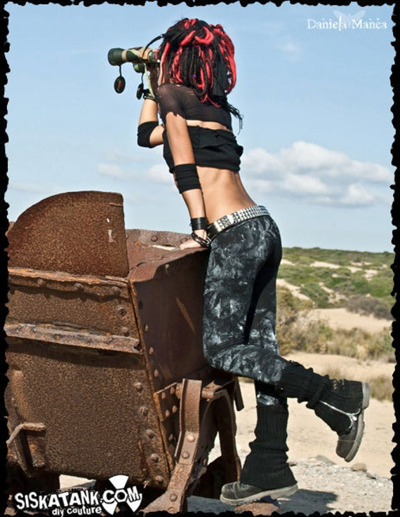 SMUTTY - Apocalyptic Hand Painted Leggings, organic Cotton Leggings, Wasteland Horror Punk Grunge, Black leggings Alternative Clothing