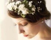 Woodland flower crown, Rustic wedding headpiece, Ivory floral headband, flower bridal hair band - O PIONEERS