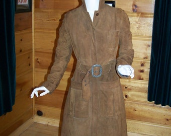 Vintage 70's Women's Hip Suede Trench Coat with Hood Wonderful Condition -Beautiful Suede   - Bust 34""