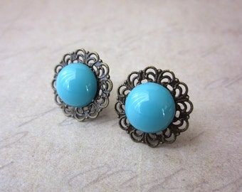 Lace Edge Posts in Turquoise