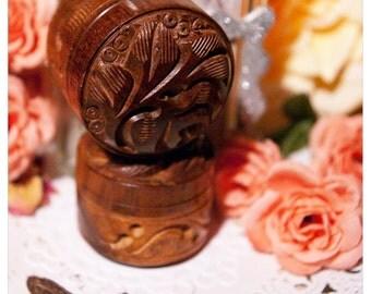 solid perfumes - briar rosewood - solid perfume or cologne in rustic rosewood jar - 1/3 oz of natural victorian wonderment