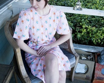 SPRING SALE!!!!!!! Vintage Pink floral dress knee length