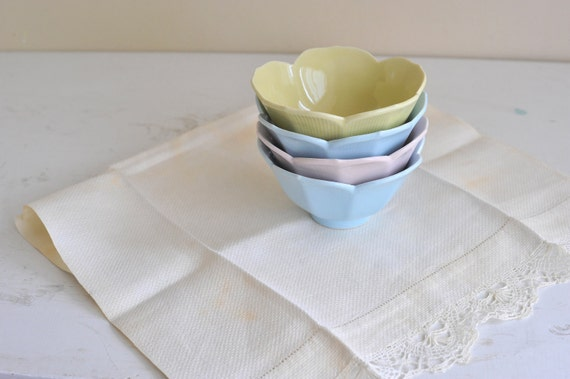 Four Pastel Ceramic Lotus Bowls in Pink Blue and Yellow