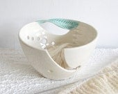 White Ceramic Yarn Bowl Knitting bowl, off-white, Crochet Bowl Modern mint green twisted leaf, knitter gift Yarn supplies