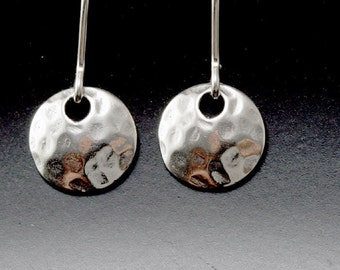 sterling silver hammered disc earrings, tiny dot earrings, sterling silver disc earrings, simple everyday sterling silver earrings