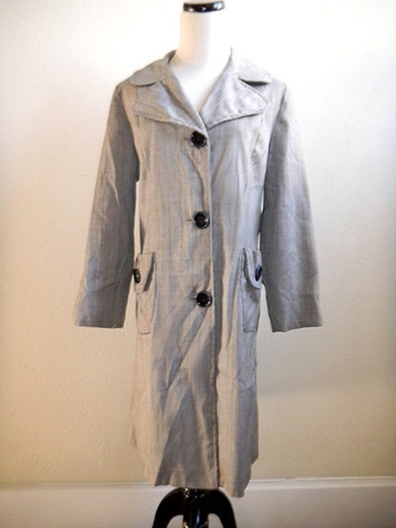 SALE vintage black and white plaid maxi coat // lightweight trench