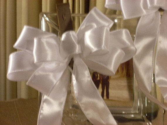 items similar to 2 white satin pew bows for wedding ceremony wedding ceremony decoration aisle decoration pair of pew bows on etsy