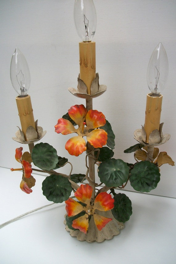 Exquisite Vintage Metal French Tole Table Lamp With Nasturtium Flowers