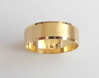 Gold wedding band women and men wedding ring  with sandblast finish shiny stripes 5mm wide