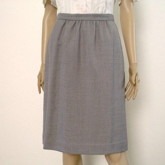 1980s Vintage Dirndl Skirt Austin Reed Gray Textured Weave Skirt  / Small