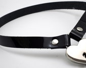 Simple Patent Leather Submissive Collar with Locking Heart in nickle - Free US Shipping