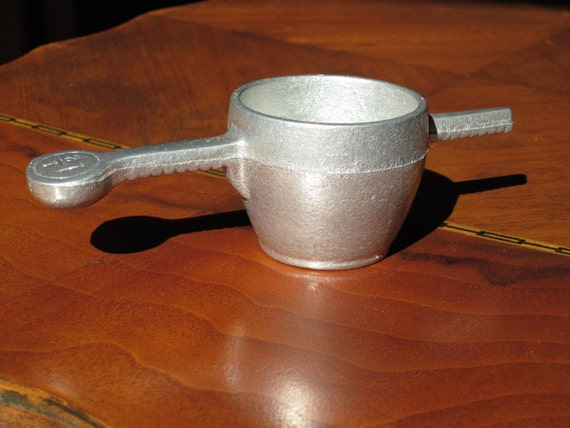 Vintage Pewter Measure Cup - Colonial Style Measuring Device - Early American Type Home Kitchen Decor - Historical Reenactment  Photo Prop