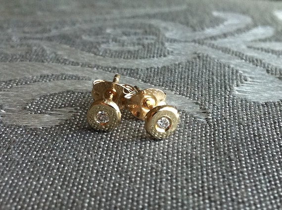 Solitaire  Diamond 14K gold Stud Earrings, gold earrings, gold studs, daimonds and gold.