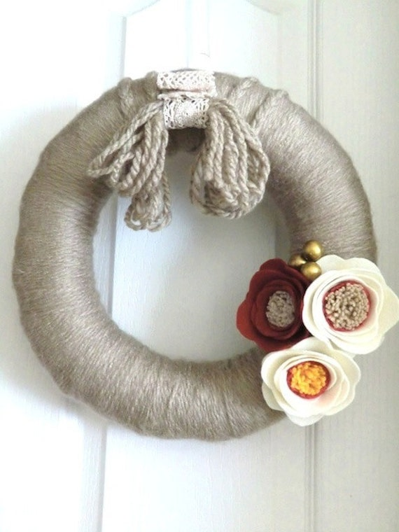 CLEARANCE // Modern Yarn Wreath Minimal Rustic Valentine's Handmade Felt Flower Home Decor Year Round Wedding Gift
