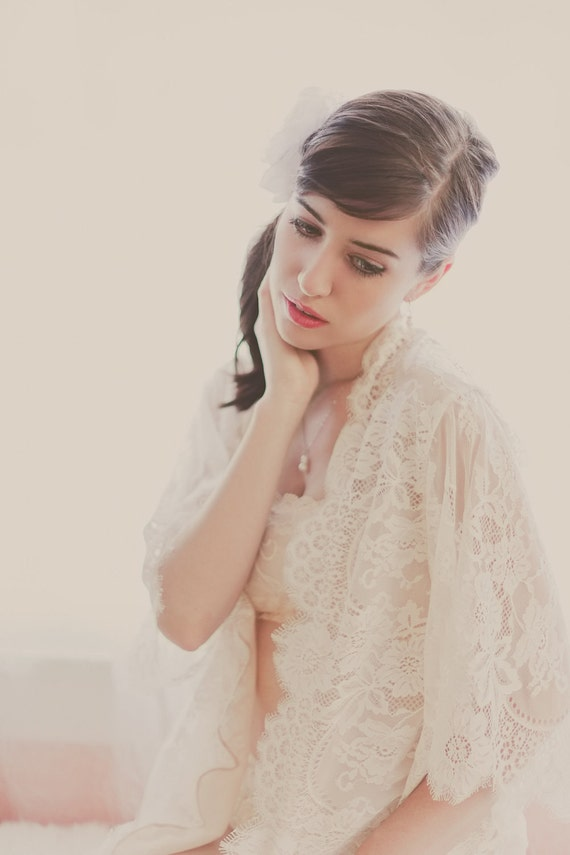 Swan Queen Scalloped Lined Bridal lace & silk robe getting ready kimono