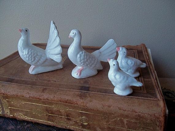 SALE Porcelain Bird Figurines Snowy Grouse Family Bone China Table Decor THANKSGIVING CHRISTMAS Decor Vintage Set Collectible Miniatures