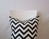 18 inch throw pillow cover, black and white. Zigzag pattern, modern print. For indoor use.
