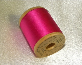 Corticelli Pure Silk Hand Sewing Embroidery Floss Thread 100 Yd. Wooden Spool Shade 2260 Deep Pink