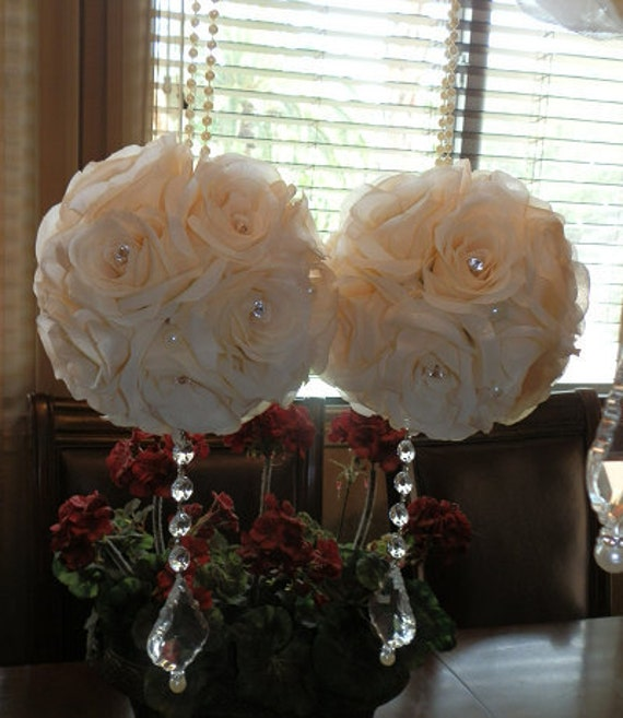 7 Gorgeous Wedding Altar Decorations That Aren T Any: Kissing Balls 7 Ivory Flower Pomanders With Real