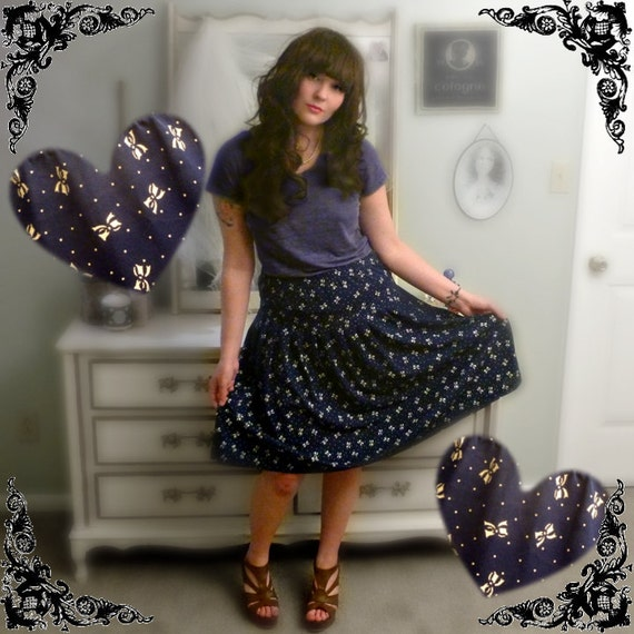 Reserved for Heidi - PREVIOUSLY 23.00 - Vintage Navy Bow-Print Ruffled Midi Skirt - Size L/XL