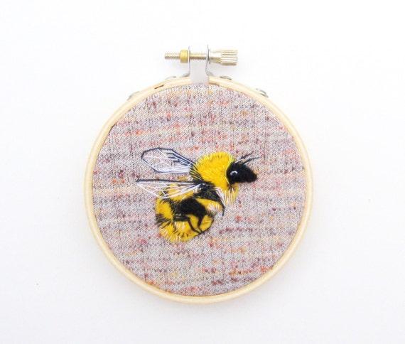 embroidery hoop, bumble bee hoop art