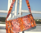 Vintage women baguette Python skin, multicolor bag in very good condition.