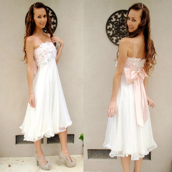 Vintage White Lace Polka Dot Dress w/ Pink Bow XS // Feminine // Girly // Pretty Dress