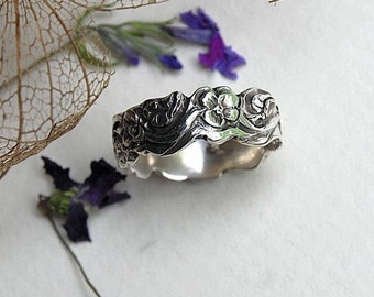 Floral Wedding Band Sterling Ring Flower Garden leaves 7mm wide uneven edge great for fitting engagement ring