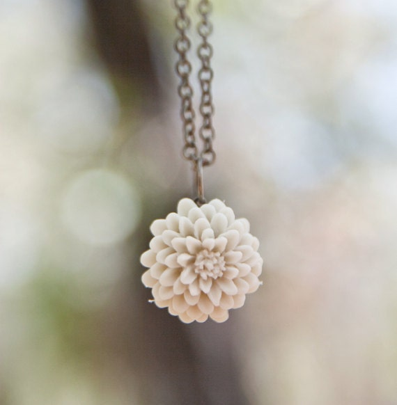 Cream Ivory Mum Flower Necklace // Bridesmaid Gifts // Maid of Honor Gifts // Rustic Wedding Champagne