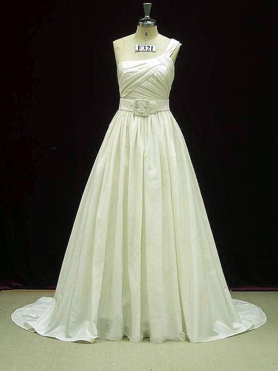 Single Shoulder Wedding Dress with Pockets in Taffeta